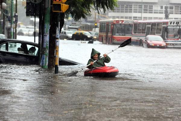 Inondation à Buenos Aires plusieurs fois par an